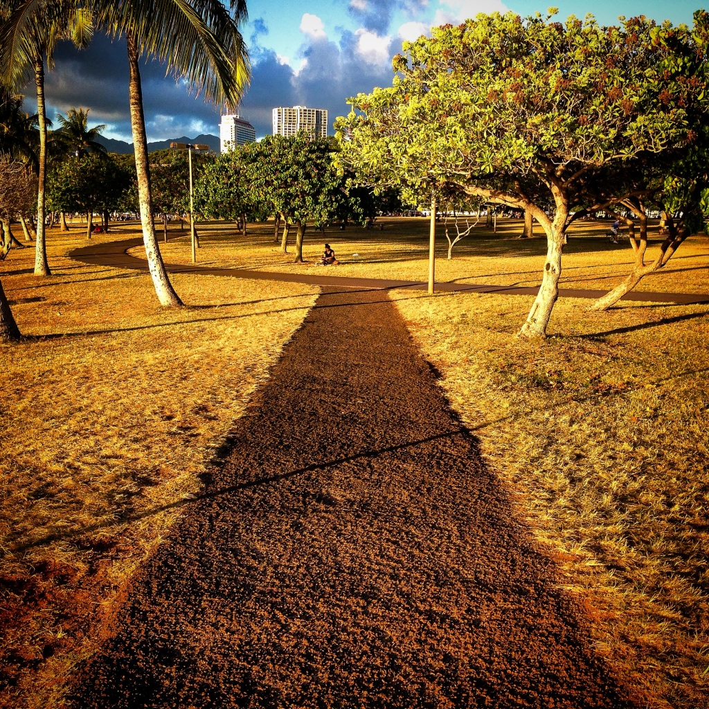 ala moana beach park paths