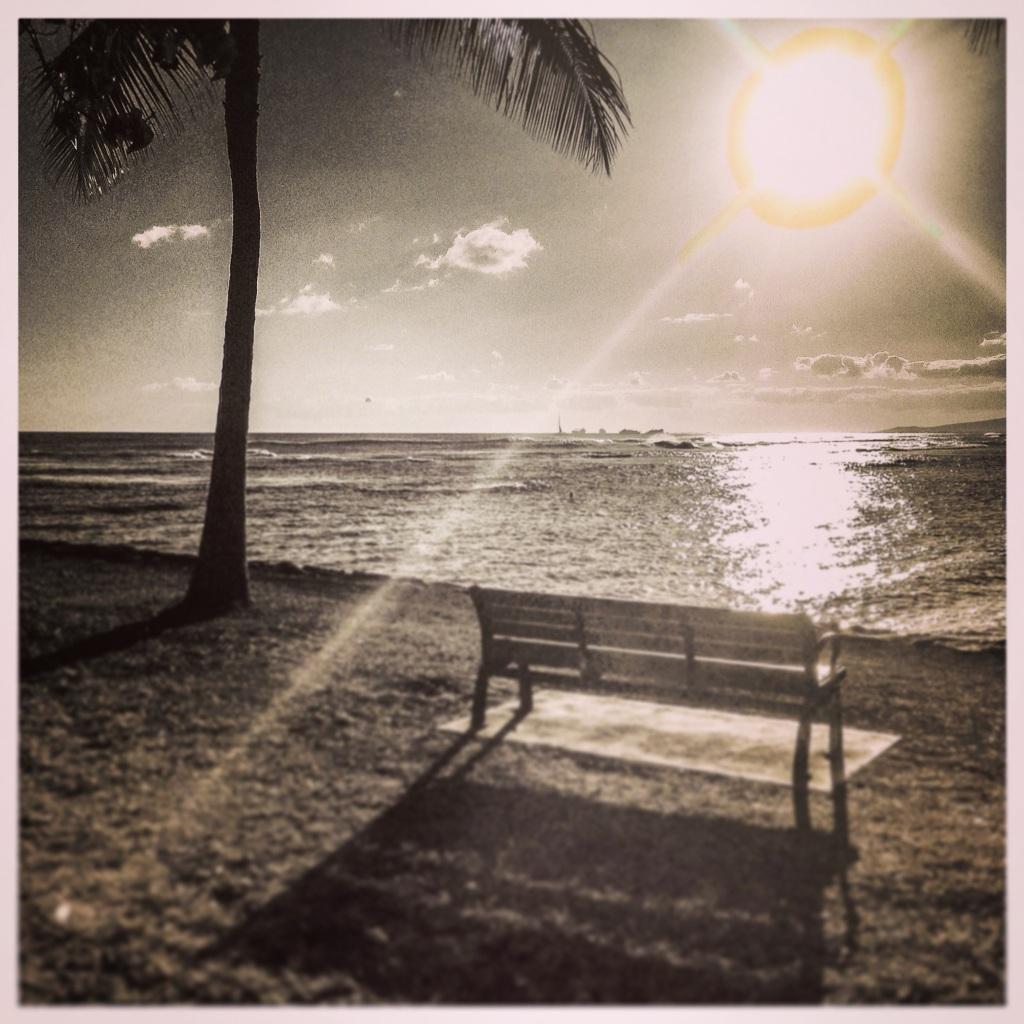 sunset - ala moana beach park